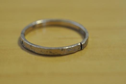 割れた指輪